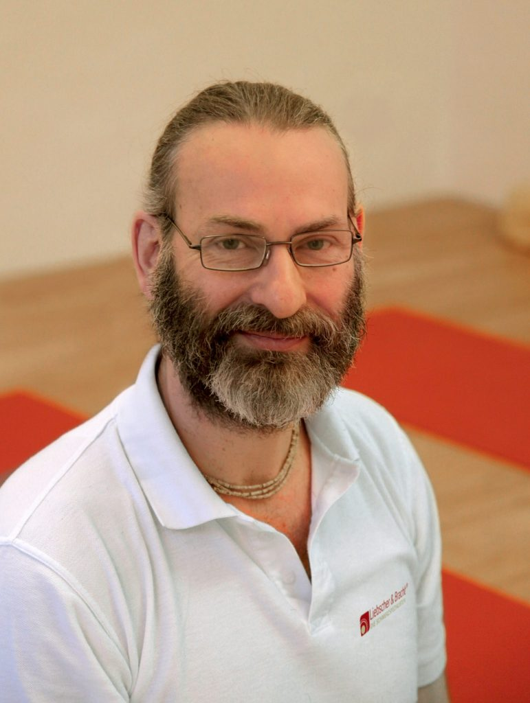 LNB Schmerztherapeut, Heilpraktiker, Yogalehrer